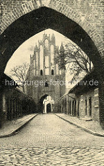Historische Ansicht vom Friedländer Tor in Neubrandenburg.