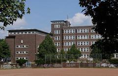 Bei der Bebauung der Veddel mit der typischen Hamburger Klinker Architektur der 1920er Jahre gab der Hamburgische Oberbaudirektor Fritz Schumacher.