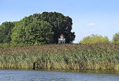 An der Bunthäuser Spitze der Wilhelmsburger Elbinsel teilt sich die Elbe in die Norderelbe und Süderelbe - Leuchtfeuer Bunthaus -