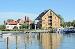 Stadthafen von Neustrelitz - alter Hafenspeicher / Kornspeicher, jetzt Nutzung als Hotel..