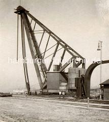 Historischer Kran am Kranhöft im Hamburger Segelschiffhafen; den Drehscheibenkran, damals der größte Kran der Welt.