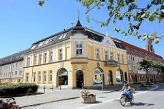 Historische Jugendstilarchitektur - Wohnhaus, Geschäftshaus in der Neutorstraße /  Behmenstrasse.