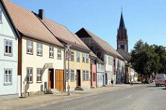 Historische Architektur / Gebäude in Neubrandenburg - Fachwerkgebäude u. a. der Kunstsammlung, Museum.