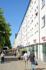 Fußgängerzone Turmstrasse in Neubrandenburg.