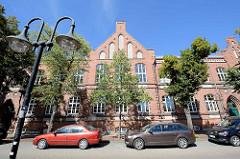 Historische Backsteinarchitektur in der Stadt Neubrandenburg - Fritz Reuter Schule, ehem. Bürgerschule - jetzt Regionalschule.