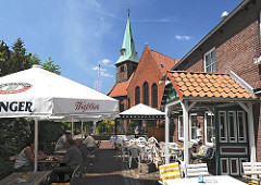 Die evangelisch lutherische Kreuzkirche in Hamburg Kirchdorf bildet den historischen Kern von Wilhelmsburg.