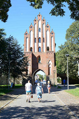 Neues Tor  - Stadttor in Neubrandenburg; Der Name Neues Tor bezieht sich auf die Tatsache, dass dieses Tor.