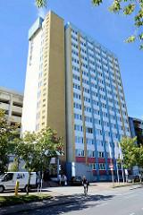 Hotelgebäude, Hochhaus - Hotel am Ring, Stadt Neubrandenburg.