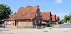 Westsiedlung Waren, erbaut zwischen 1936 - 1941. Einzelhäuser mit großem Garten / Satteldach.
