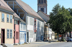 Historische Architektur / Gebäude in Neubrandenburg - Fachwerkgebäude u. a. der Kunstsammlung, Museum in der Großen Wollenweberstraße.
