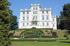 Weinbergschloss in der Bahnhofstraße von Waren / Müritz; erbaut 1872 im Auftrag des Federower Gutsbesitzers Hemann von Maltzahn.
