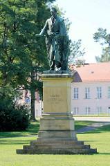 Denkmal Großherzog Georg im Schlosspark von Neustrelitz