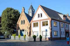 Alte Feuerwache / Feuerwehrhaus in Waren - Kirchenstraße; jetzt Café.