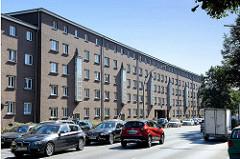 Backsteinarchitektur / Wohnblock in Hamburg Dulsberg; Naumannplatz-Siedlung an der Nordschleswiger Straße.