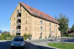 Alte Industriearchitektur / Speichergebäude mit Ziegelfassade in Neustrelitz, jetzt Nutzung als Hotel.