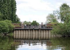 Der Schmidtkanal ist nach den beiden Architekten Franz-Peter und Hermann-Johannes Schmidt benannt, die das Gelände erschlossen und den Kanal 1895 gebaut haben.