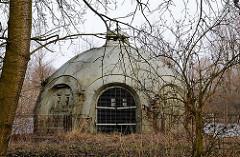 Brunnenhaus an einem der vier Ablagerungsbecken auf dem Wasserfiltrierwerk Kaltehofe. Ab 1893 wurde das aus der Elbe gepumpte Wasser zuerst 2-3 Tage in vier Ablagerungsbecken.