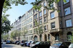 Historische Wohnblocks mit Mietwohnungen  im Architekturstil des Historismus; liebevoll restaurierte Wohnhäuser in Hamburg Altona/Nord.