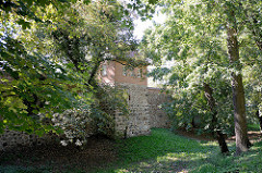 Historische Stadtbefestigung Neubrandenburg - Stadtmauer und Wiekhaus. Das Wiekhaus ist eine Sonderform eines Verteidigungsbaus.