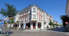 Frisch renoviertes Eckhaus im Baustil der Gründerzeit - Wohn- und Geschäftshaus in der Strelitzer Straße / Elisabeth Straße