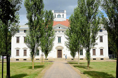 Schloss Georgium, historischer Landschaftspark in Dessau-Roßlau.