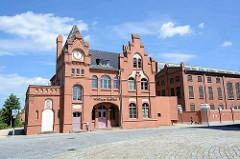 Wörlitzer Bahnhof in Dessau - Empfangsgebäude der Dessau-Wörlitzer Eisenbahn - Baudenkmal, erbaut 1894.