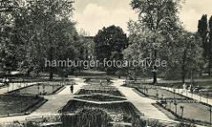 Alte Fotografie einer symmetrischen Parkanlage in Stettin.