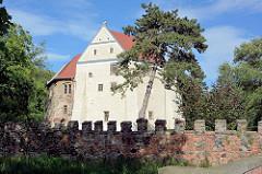 Burg Roßlau / Wasserburg im Stadtteil Roßlau in Dessau-Roßlau.