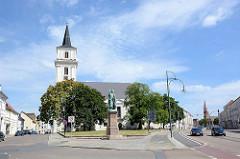 Johanniskirche in Dessau-Roßlau, ursprünglich erbaut 1702; im Zweiten Weltkrieg zerstört - 1955 wieder aufgebaut.