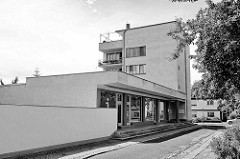 Bauhaussiedlung Törten in Dessau-Roßlau; Konsumgebäude.