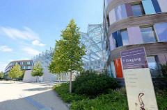 Eingang vom Umweltbundesamt in Dessau-Roßlau - Stahl  / Glas Konstruktion; Pläne der Architekten Sauerbruch Hutton.