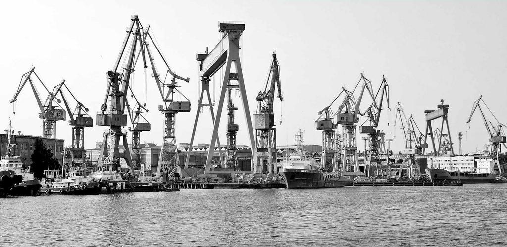 Hafenkräne an der Oder in der ehemaligen Hansestadt Stettin / schwarz-weiß Fotografie.