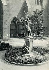 Historische Fotografie vom Loewe Denkmal in Stettin - Johann Carl Gottfried Loewe war ein deutscher Komponist, der in Stettin Lehrer und Kantor an der Jacobi Kirche war.