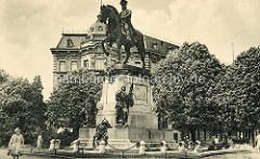 Altes Foto vom Reiterdenkmal Kaiser Wilhelm in Stettin, eingeweiht 1894 - Künstler  Carl Hilgers.