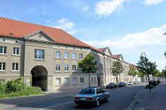 Wohnblock an der Friedrichstraße in Dessau-Roßlau.