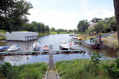 Sportboothafen / Marina an der Elbe in Dessau-Roßlau; Leopoldshafen
