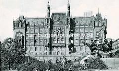 Alte Fotografie vom Stettiner Rathaus, erbaut 1879 nach Plänen des Stettiner Stadtbaurats Konrad Kruhl.
