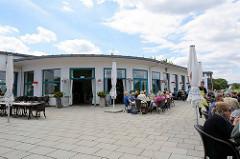 Kornhaus Dessau; Ausflugsgaststätte an der Elbe im Dessau-Roßlauer Stadtteil Ziebigk. Es gehört zu den Bauhausbauten in Dessau.