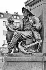 Detail Bürgermeister Smidt Denkmal - Theodor Heuss Platz in Bremerhaven; errichtet 1888, Bildhauer / Künstler Werner Stein.