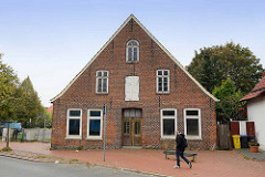 Straßenfassade vom historischen Küsterhaus in Bremerhaven langen Straße; Teil des denkmalgeschützten Ensembles der reformierten Schule / Alt-Leher Schule.