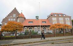 Historische Architektur vom ehem. Hauptzollamt Geestemünde / Bremerhaven - erbaut 1908.