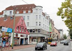Geschäftshäuser / Wohnhäuser an der Hafenstraße in Bremerhaven.