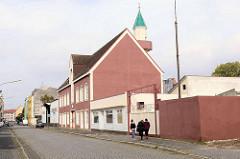 Moschee in Bremerhaven-Lehe, eröffnet 1975 - umgebautes Wohnhaus mit Minarett