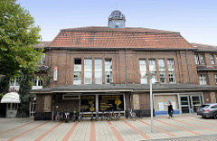 Historischer Bahnhof Bremerhaven Lehe - Empfangsgebäude, erbaut 1914; das Gebäude steht seit 2010 unter Denkmalschutz.