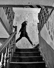 Treppenaufgang mit historischen gedrechselten Treppendocken / Treppengeländer.