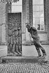 Mahnmal zum Gedenken an alle Opfer des Nationalsozialismus - Skulptur bei der Bürgermeister-Smidt-Gedächtniskirche.