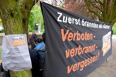 Veranstaltung am Mahnmal Bücherverbrennung in Hamburg Eimsbüttel, Kaiser-Friedrich-Ufer / 2017.