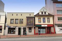 Geschäfte / Wohnhäuser in der Hafenstraße von Lehe / Bremerhaven.