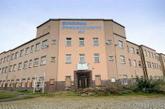 Eingang vom Gebäude Schichau, Seebeckwerft AG beim Handelshafen in Bremerhaven;