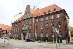 Das Amtsgericht Bremerhaven wurde zwischen 1913 und 1916 nach Plänen des preußischen Regierungsbaumeisters W. Trautwein als preußischer Regierungsbau durch das Königlich-Preußische Hochbauamt Lehe errichtet.